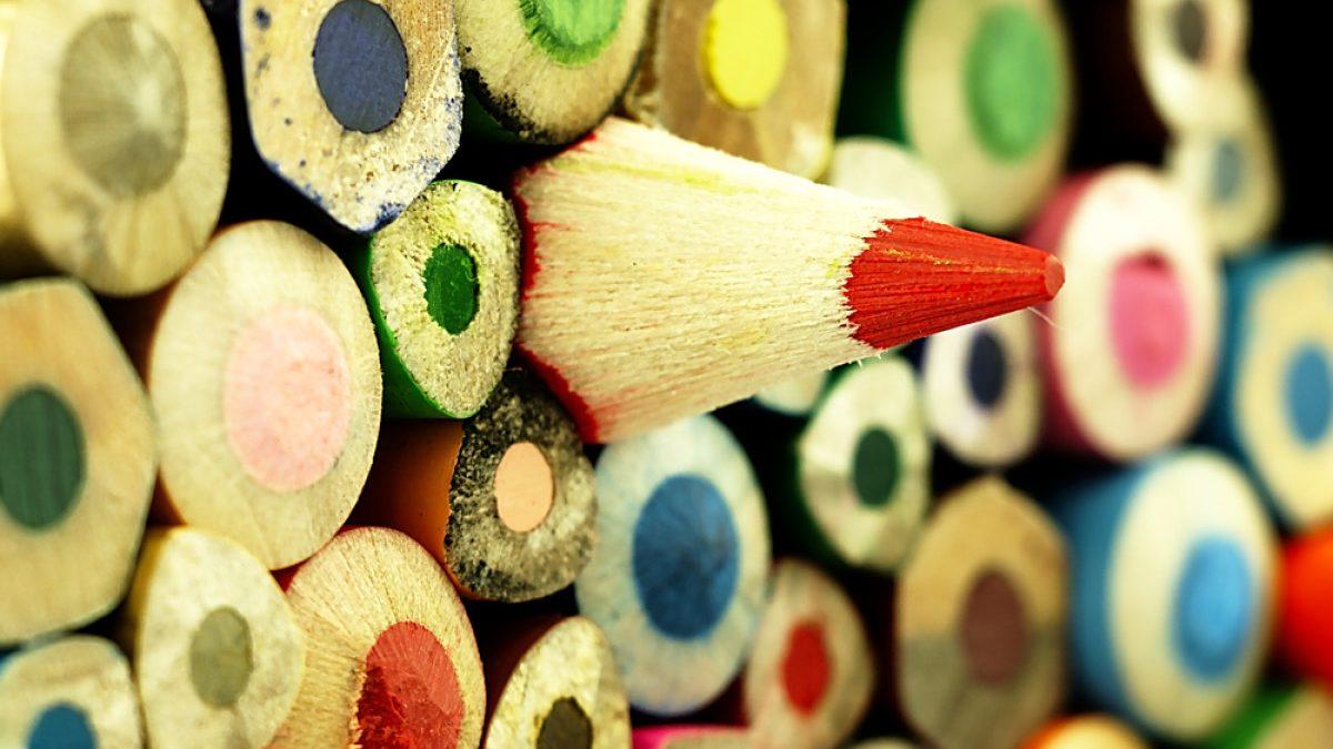 De Creatividad a Negocio: Cómo Hacer Carteles Online